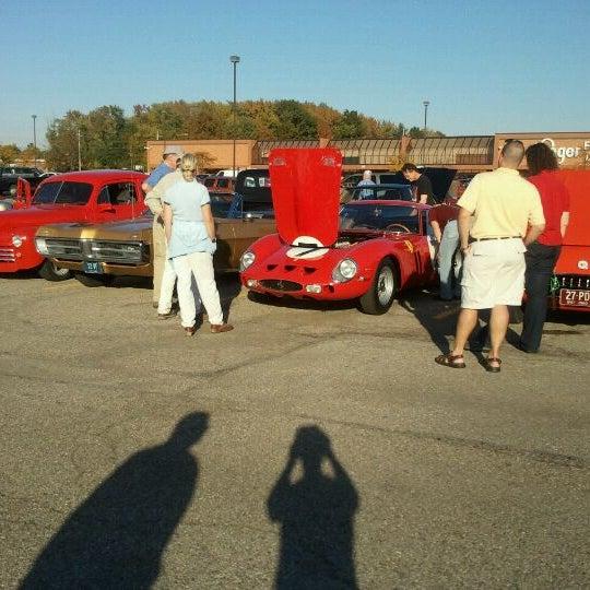 Milford Friday Cruisein Kroger Milford OH - Milford cruise in car show