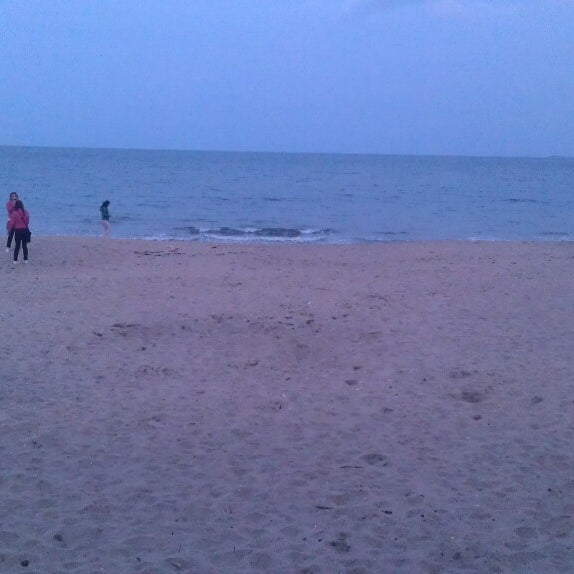 Foto scattata a Централен Плаж Бургас (Burgas Central Beach) da Yiannis G. il 4/6/2013