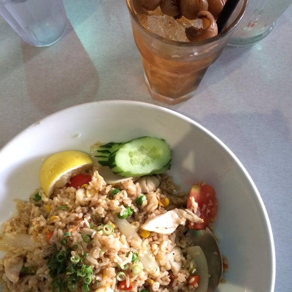 Halal restaurant, affordable with big portion. Try the thai fried rice!