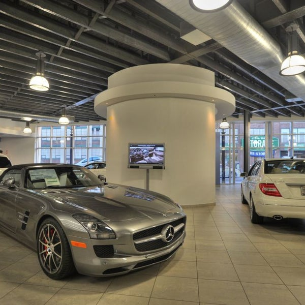 Foto Tirada No(a) Silver Star Motors, Authorized Mercedes Benz Dealer Por