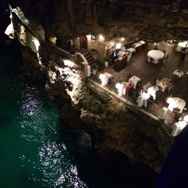 Grotta palazzese polignano a mare puglia for Grotta palazzese restaurant menu