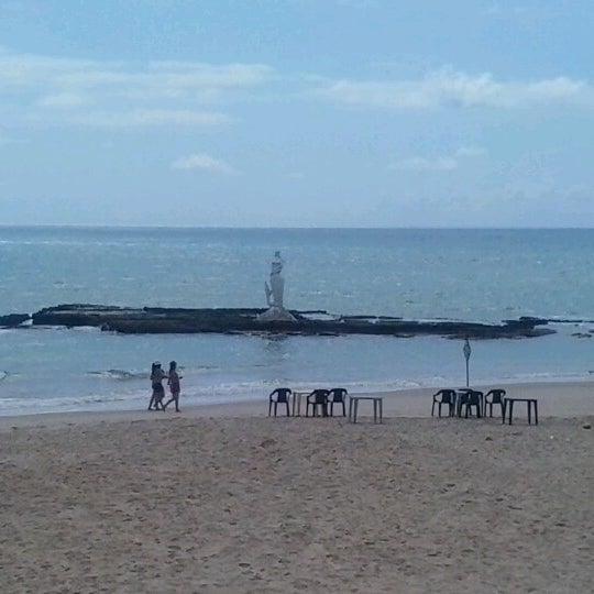 Foto tirada no(a) Praia Mirante da Sereia por Flávia S. em 12/22/2012