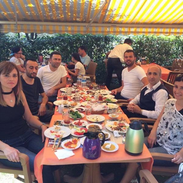 9/17/2017 tarihinde Erdinç V.ziyaretçi tarafından Köyüm Bahçe Restaurant'de çekilen fotoğraf