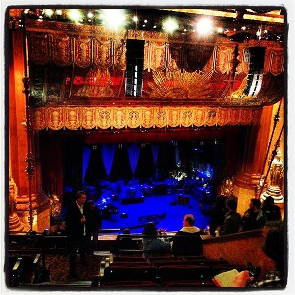 รูปภาพถ่ายที่ Beacon Theatre โดย Jeffrey เมื่อ 5/25/2013