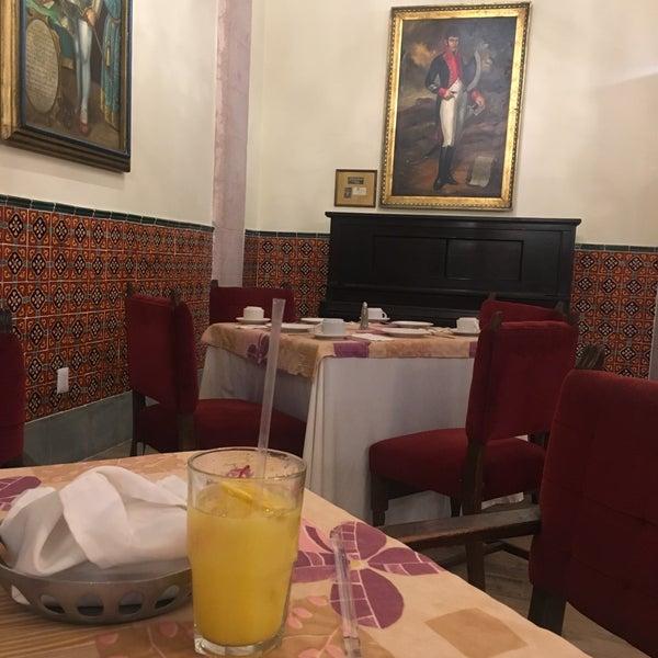 Foto tomada en Hotel Posada Santa Fe por Hector R. el 2/26/2017