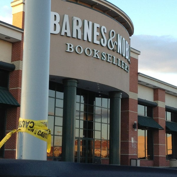 Barnes & Noble (Now Closed) - Bookstore in Co-Op City
