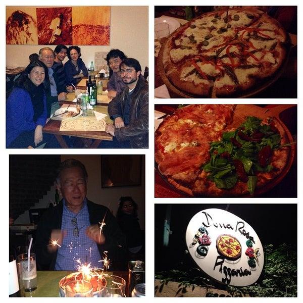 Foto tirada no(a) Dona Rosa Pizzaria por Eduardo H. em 11/2/2013