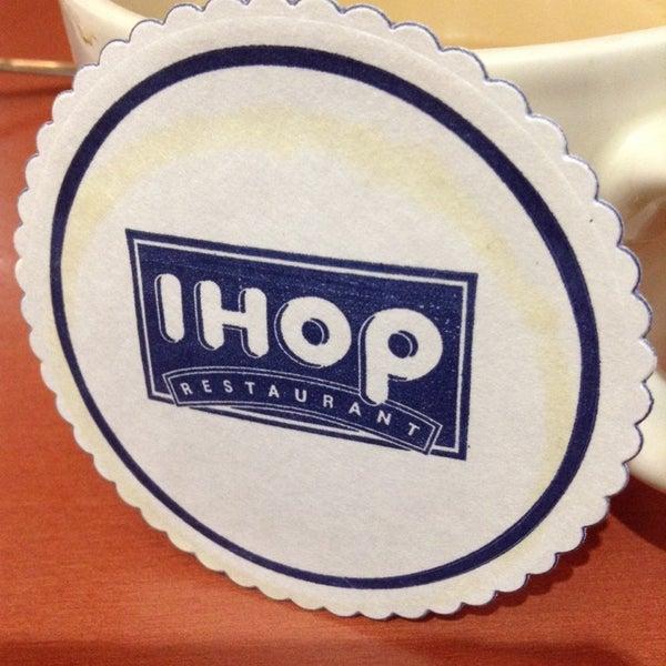 Photo taken at IHOP by Fanny on 11/23/2013