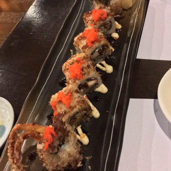 Photo taken at Hyotan Japanese Restaurant by Xna on 11/20/2015