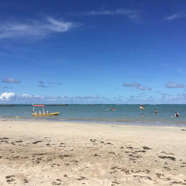 Foto tirada no(a) Praia de São Miguel dos Milagres por Eduardo C. em 5/14/2016