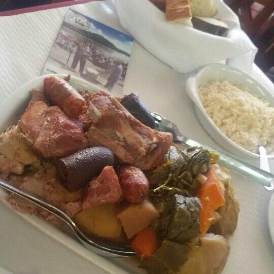 Foto tirada no(a) Restaurante Tony's por Nuno S. em 8/15/2015