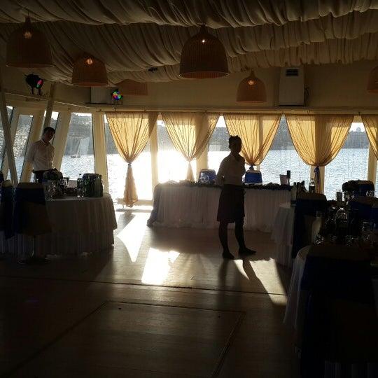 Снимок сделан в DoZari / Дозари шоу-ресторан на воде пользователем Васёк K. 9/9/2014