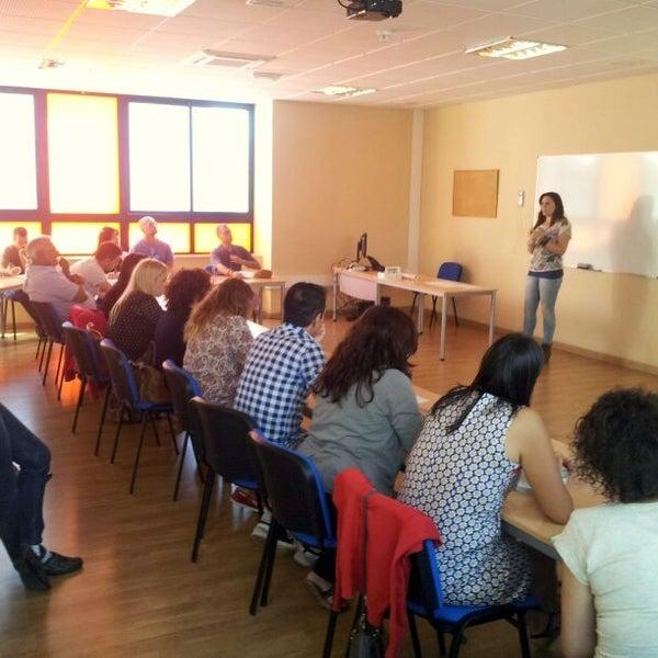 Última reunión con el profesorado participante en el proyecto educativo 'Enseñar para Emprender' antes de la 'Feria de Cooperativas Escolares'