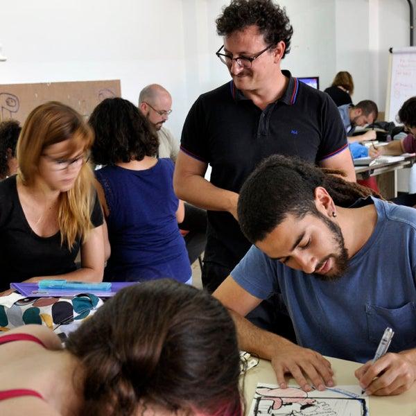 El taller de estimulación creativa impartido por David Peña, Puño, contó con una notable participación
