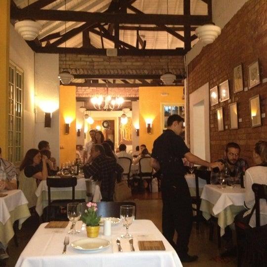Foto tirada no(a) Zeffiro Restaurante por Giancarlo em 11/27/2012
