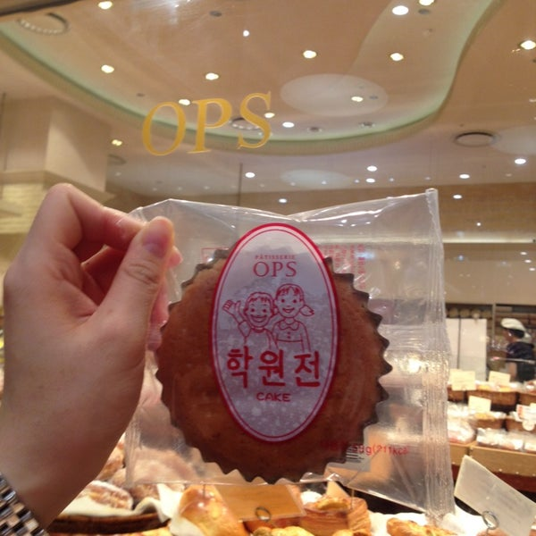 Photo taken at OPS Bread & Cake by 이경아 E. on 8/12/2014