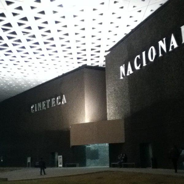 Foto tomada en Cineteca Nacional por Marina el 8/18/2013