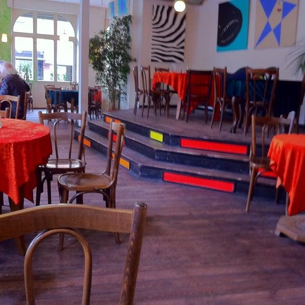 balazzo brozzi caf in n rnberg. Black Bedroom Furniture Sets. Home Design Ideas