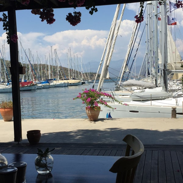 8/3/2017 tarihinde Bahar H.ziyaretçi tarafından Mod Yacht Lounge'de çekilen fotoğraf