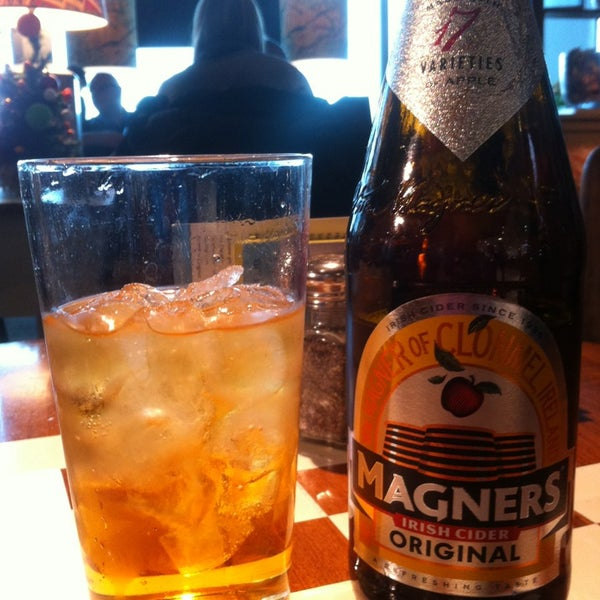Photo taken at The Tin Goose (Pub & Kitchen) by Rob R. on 12/18/2012