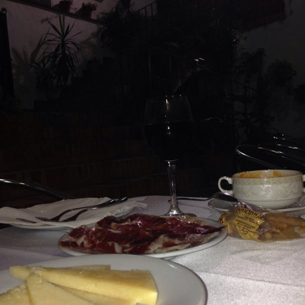 Photo taken at Restaurante El Caballo Rojo by María Angelica B. on 10/11/2013