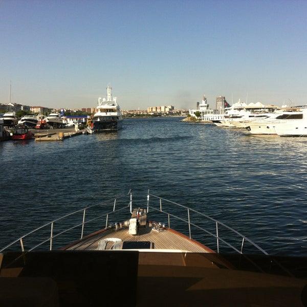 6/11/2013 tarihinde Seyhan_Kaptanziyaretçi tarafından Ataköy Marina'de çekilen fotoğraf