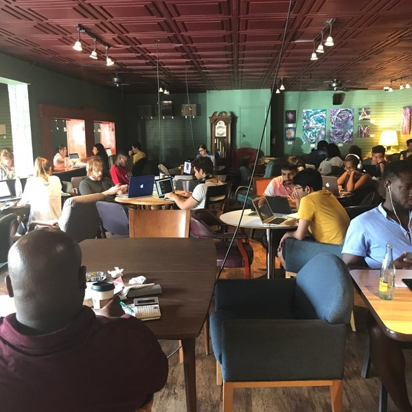 Photo taken at Bennu Coffee by Renata B. on 6/18/2017