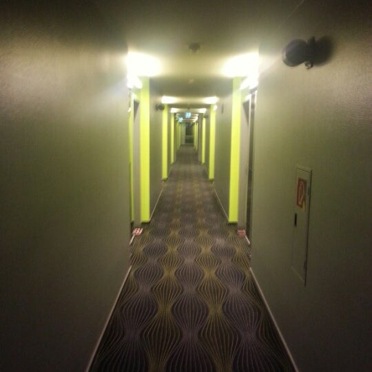 Photo taken at prizeotel Bremen-City by obcram B. on 9/19/2012