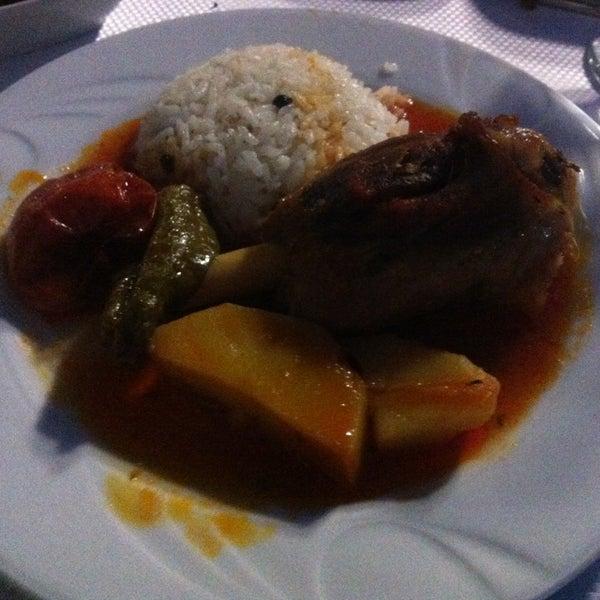 7/15/2013 tarihinde Süleyman Ç.ziyaretçi tarafından Lokmahane Restaurant'de çekilen fotoğraf