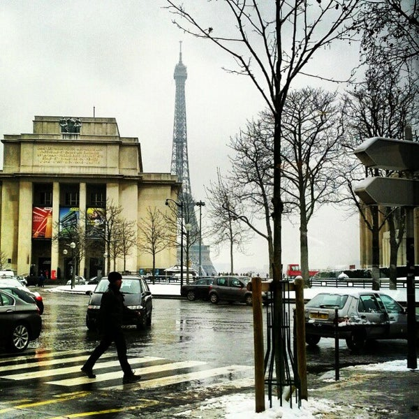 Photo prise au Place du Trocadéro par Maggie J. le1/19/2013