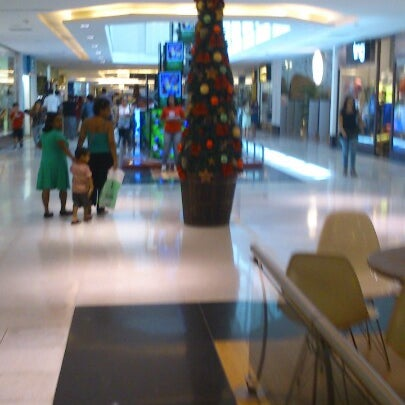 Photo taken at Shopping Recife by Luis F. on 12/12/2012