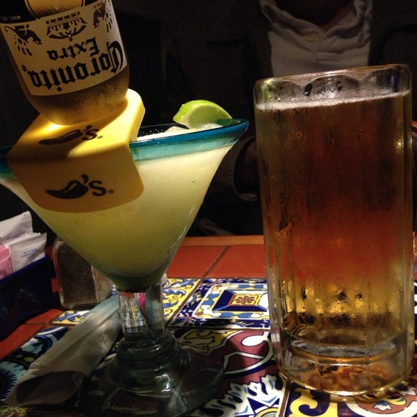 Photo taken at Chili's Grill & Bar by Ros E. on 1/11/2014