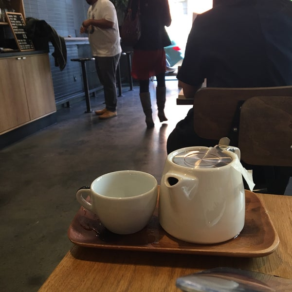 Снимок сделан в Irving Farm Coffee Roasters пользователем Anshika M. 10/2/2017