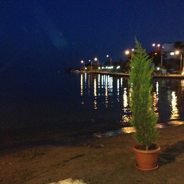 Das Foto wurde bei Kekik Restaurant von Tunç TUNÇKIRAN am 5/22/2013 aufgenommen