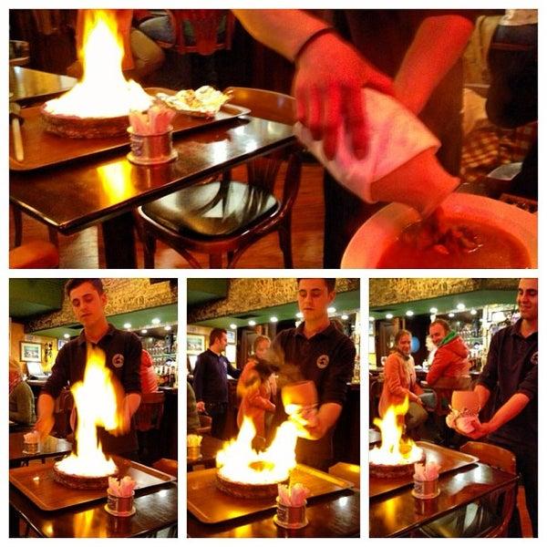 3/25/2013 tarihinde Danilo R.ziyaretçi tarafından Cozy Bar&Restaurant'de çekilen fotoğraf