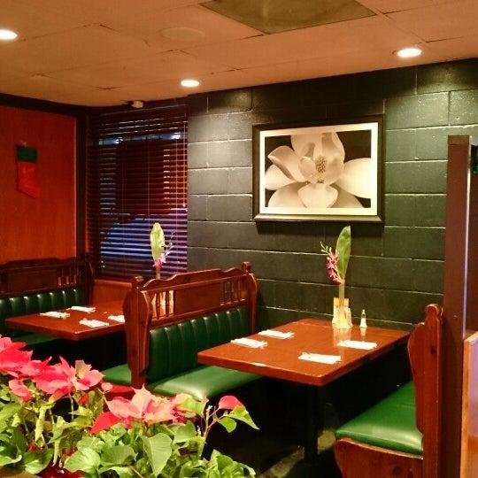 รูปภาพถ่ายที่ Thai Original BBQ & Restaurant โดย Kevin H. เมื่อ 12/25/2014