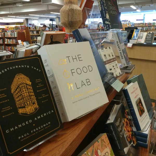 Photo taken at University Bookstore by boyo v. on 1/19/2017