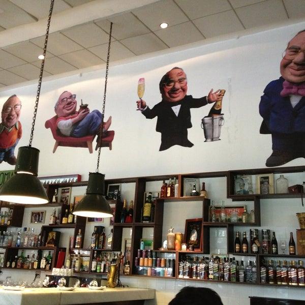 Foto tirada no(a) Verissimo Bar por Ricardo N. em 4/5/2013