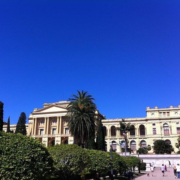 Das Foto wurde bei Museu Paulista von Graziele O. am 7/7/2013 aufgenommen