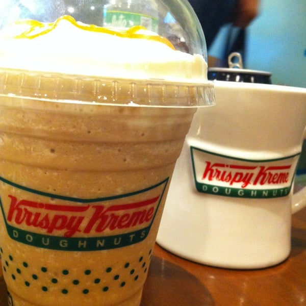 Photo taken at Krispy Kreme by N I R A   A on 6/14/2013