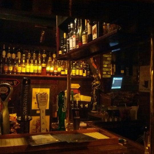 Foto tomada en Hurley's Irish Pub por Richard K. el 1/26/2013