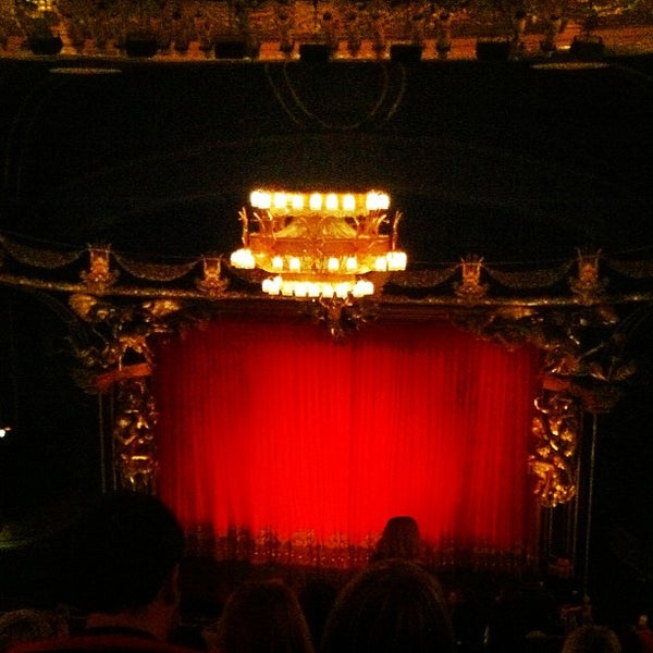 Foto tirada no(a) Majestic Theatre por Paul F. em 11/28/2012