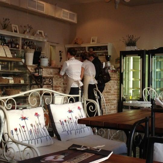 Снимок сделан в Cafeletto пользователем Ekaterina 9/27/2012