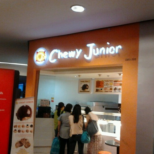 Photo taken at Chewy Junior by Nikko D. on 3/3/2013