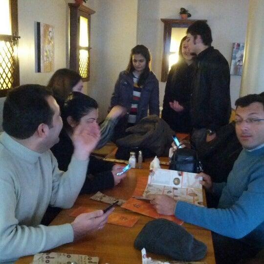 1/5/2013 tarihinde Necdet Y.ziyaretçi tarafından Dodo Cafe & Pub'de çekilen fotoğraf