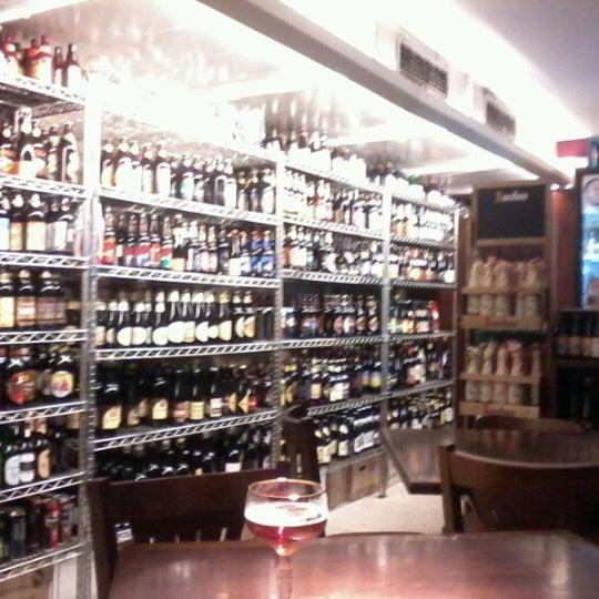 Foto tirada no(a) Empório Alto dos Pinheiros por Roberta S. em 12/29/2012
