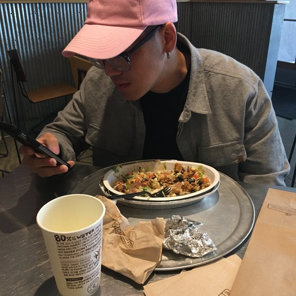 Photo taken at Chipotle Mexican Grill by Mansi S. on 4/1/2017