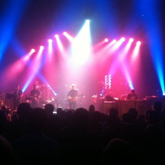 รูปภาพถ่ายที่ Beacon Theatre โดย Greg E. เมื่อ 10/27/2012