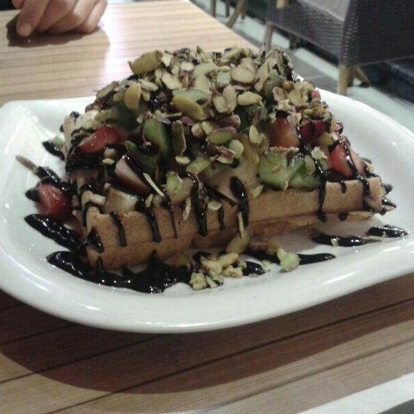 10/30/2013 tarihinde Işıl K.ziyaretçi tarafından Waffle Edem 46'de çekilen fotoğraf