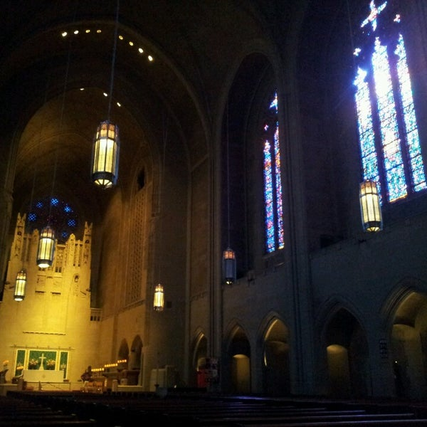 Photo taken at Church of the Holy Trinity (Episcopal) by Aki P. on 10/23/2015